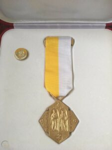 pro-ecclesia-et-pontifice-medal-pin_1_84d4b886b64b061564d3e11392230f4a